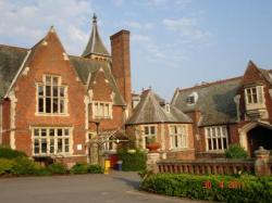 Aldermaston Manor, Aldermaston, Berkshire