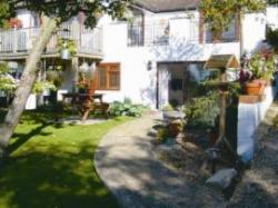 Greenhills Garden Apartment, High Wycombe, Buckinghamshire