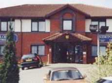 Newport Lodge Hotel