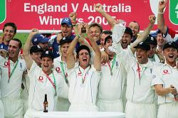 England Regain Ashes