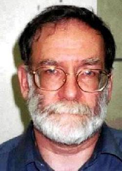 Harold Shipman hangs himself in Prison
