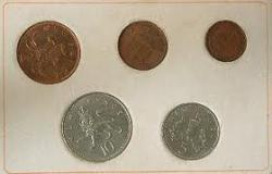 Decimal currency is launched in Britain