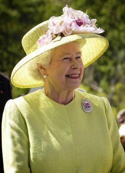 Queen sends 1st Royal email
